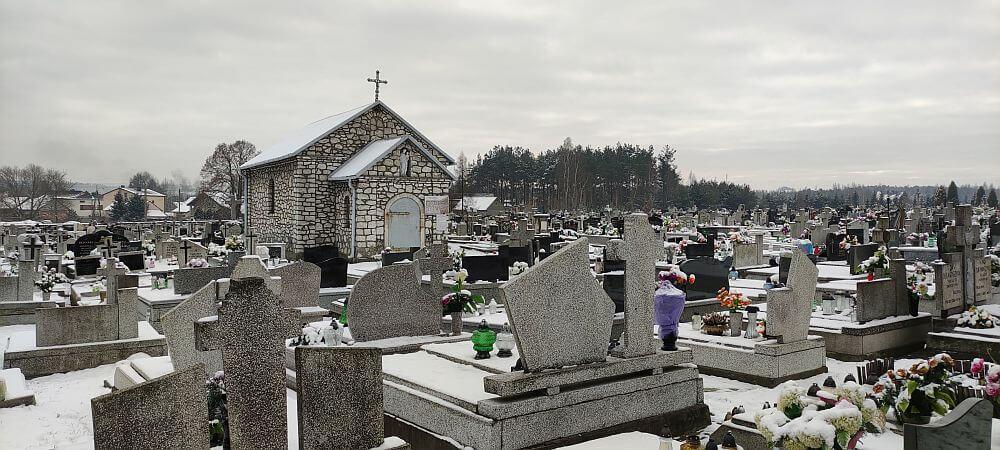 Wapienna kaplica cmentarna w Kroczycach jako forma lokalnej architektury